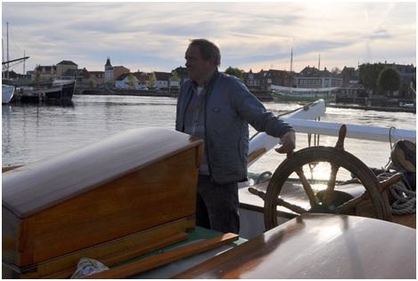 Vores allesammens skipper Kristian på det gode skib Aron foretager endnu et togt mod Troense på Tåsinge. Hvad togtet går ud på.....